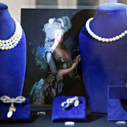 Στο «σφυρί» τα κοσμήματα της Μαρίας Αντουανέτας