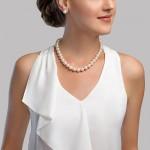 Κολιέ με λευκά μαργαριτάρια και χρυσό κούμπωμα Κ18 με διαμάντια - M123778