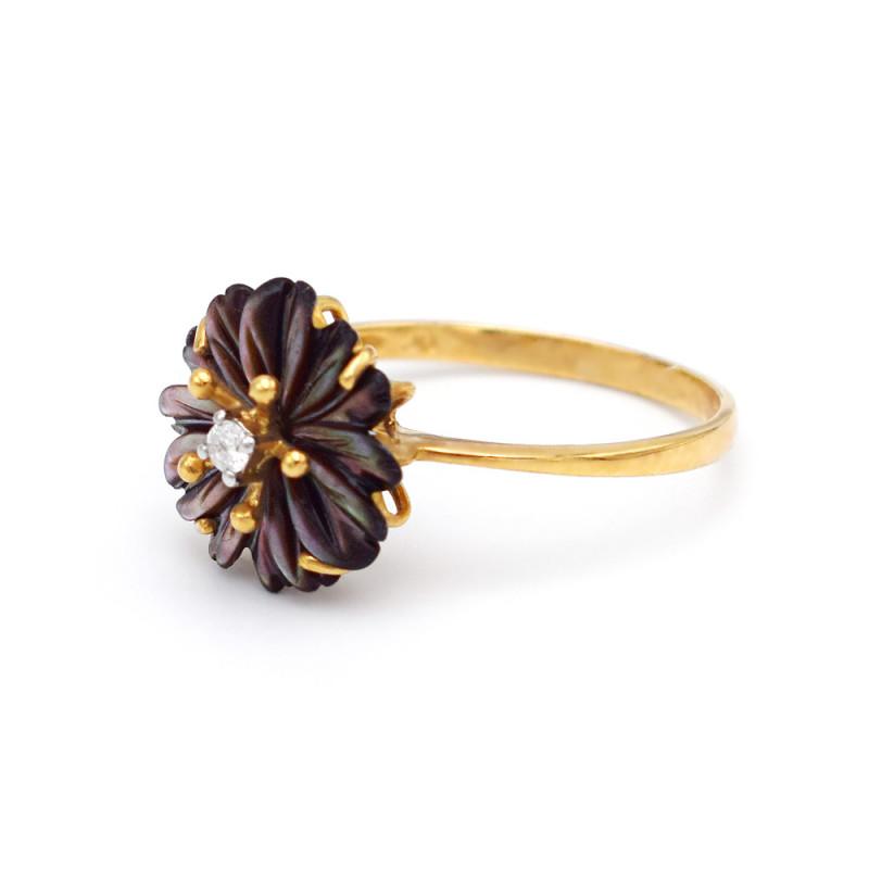 Δαχτυλίδι με μαύρο λουλούδι σε χρυσή βάση Κ18 - M311303