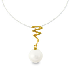 Χρυσό μενταγιόν με λευκό Shell Pearl - M319975